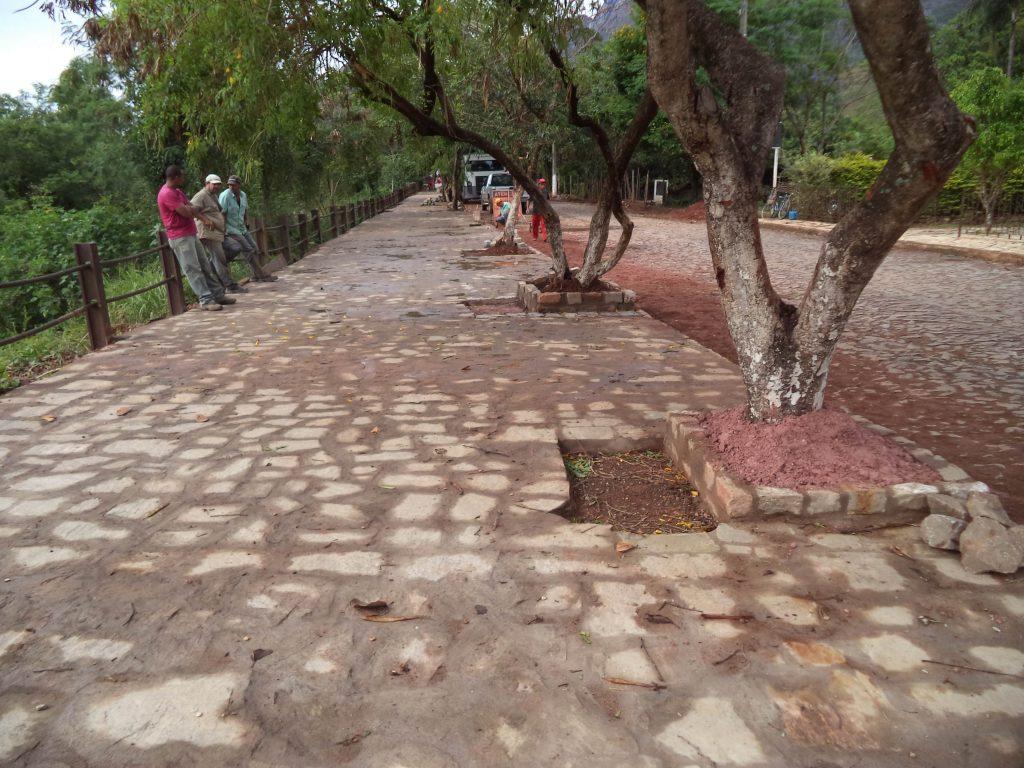 Construção de Vias na cidade de Catas Altas – Minas Gerais